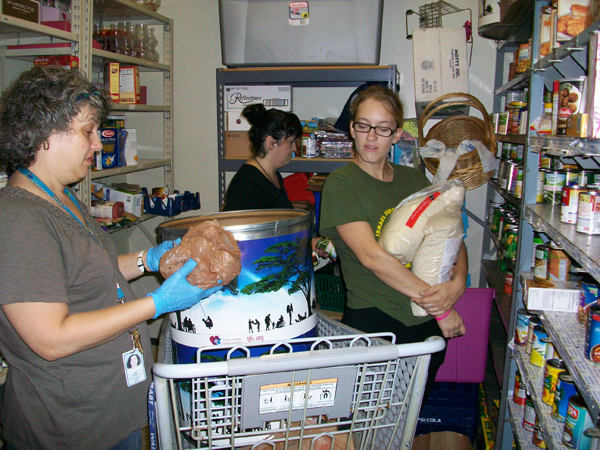 Tampa Jewish Family Services Seeks Families In Need At New Food Bank