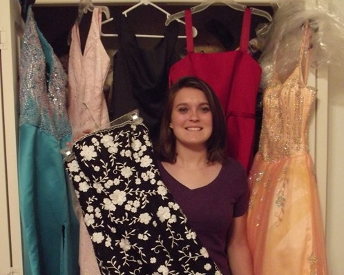 High School Senior Taking Prom Dress Donations And Hosting Event