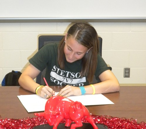 Bloomingdale's Oser Signs With Stetson University