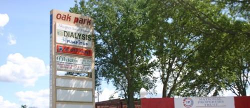 Oak Park Plaza Buzzing With Activity