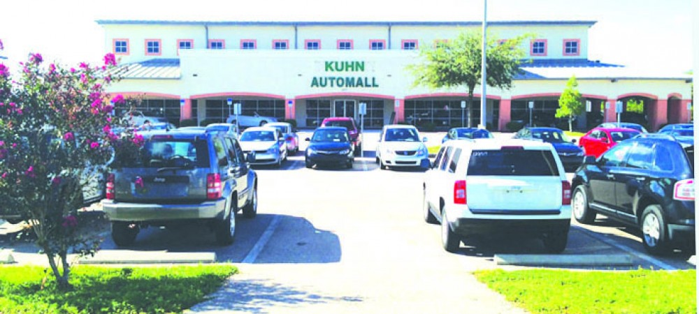 Kuhn outside
