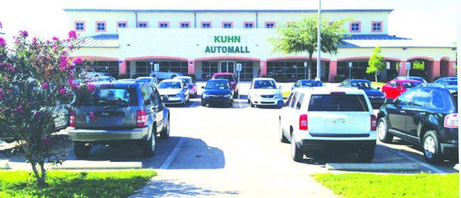Kuhn outside