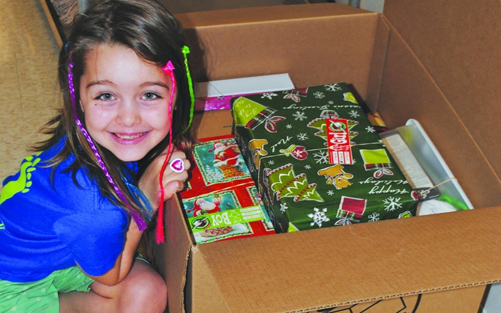 Apollo Beach Girl Rallies Area For Gifts For Children In Need