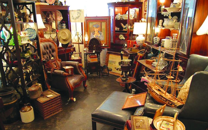 The White Rabbit Antiques And Collectibles Hosts Monthly Outdoor Markets