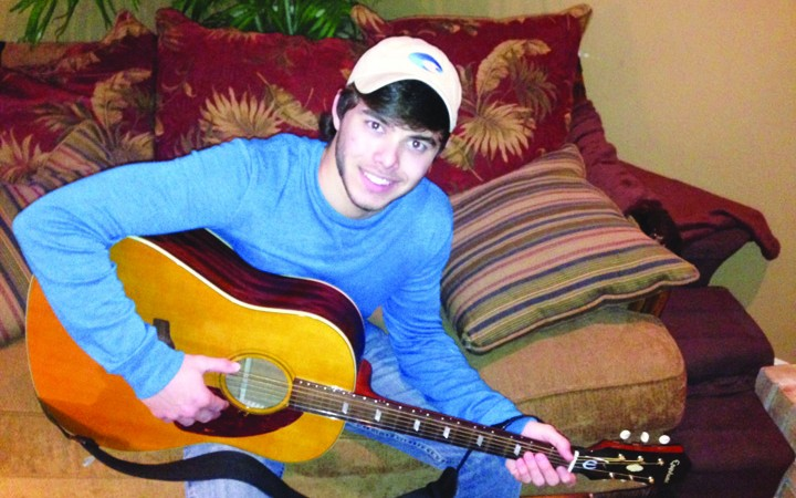 Riverview Senior Seeks Country Music Career