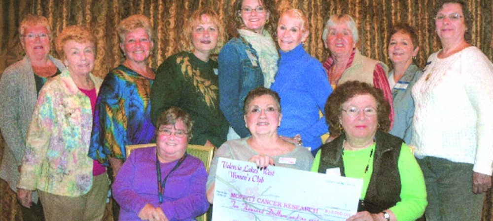 Valencia Lakes West Women's Club Awards Scholarships To Community