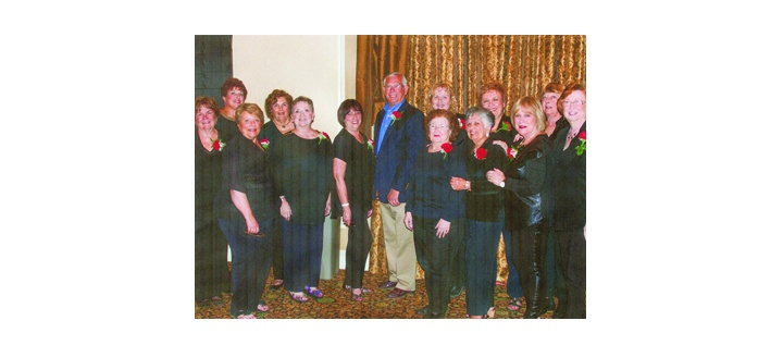 Valencia Lakes West Women's Club Holds Men's Fashion Show