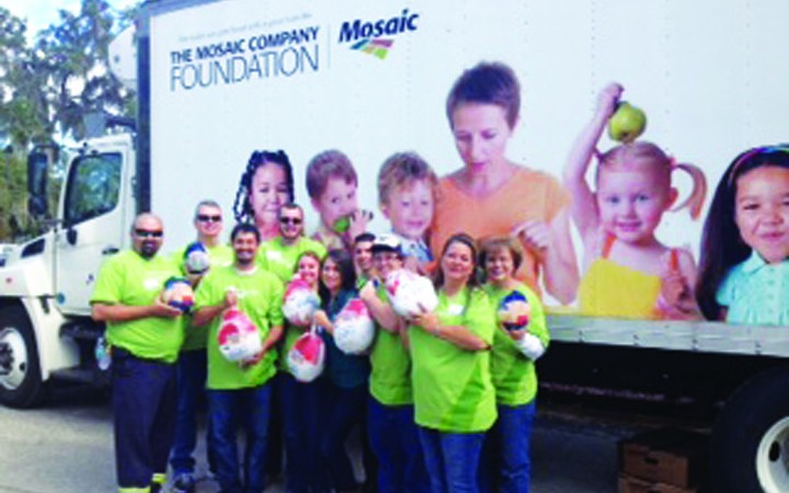 Mosaic, ECHO Provide 1,300 Turkeys For Families In Need During Thanksgiving