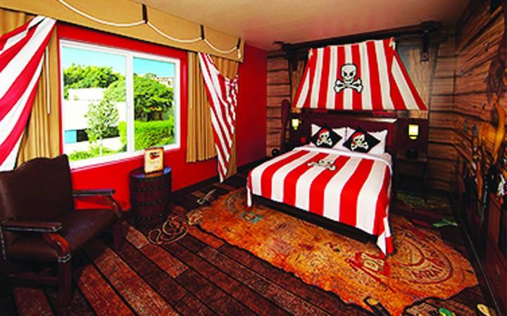 LEGOLAND Florida Resort Reveals First LEGO Model Built For LEGOLAND Hotel