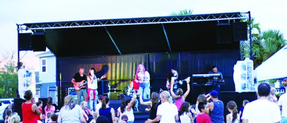 FishHawk Ranch, Waterset Concerts For A Cause Series Collects Donations For Food Banks