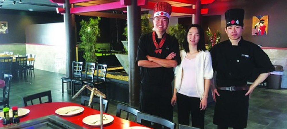 AKIRA_Owners Joe and Winnie with Sushi Chef Hong