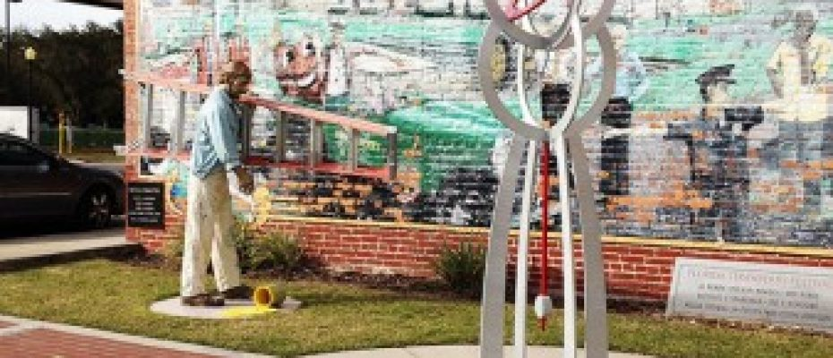 Sculptures Return To Plant City
