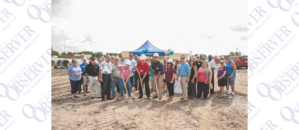 Chamber Hosts Zaxby's Groundbreaking At Riverview 14 Entertainment Center